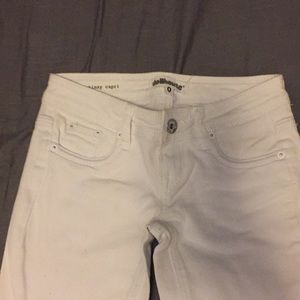 White dollhouse capris.No stains or discoloration